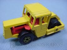 1. Brinquedos antigos - Matchbox - Bomag Road Roller Superfast amarelo