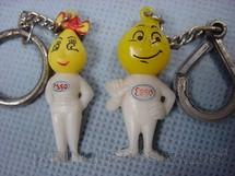 1. Brinquedos antigos - Sem identificação - Par de Chaveiros das Gotinhas da Esso com 5,00 cm de altura Década de 1960