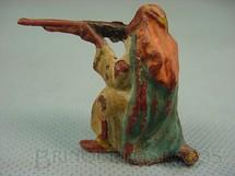 1. Brinquedos antigos - Casablanca e Gulliver - Beduíno ajoelhado atirando com Fuzil Série Lawrence da Árabia