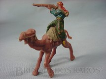1. Brinquedos antigos - Casablanca e Gulliver - Beduíno montado no Camelo atirando com fuzil Série Lawrence da Árabia