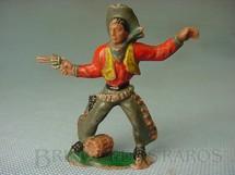 1. Brinquedos antigos - Casablanca e Gulliver - Cowboy de pé atirando com revolver Barril na base Falta o Cactus Casablanca numerado 119