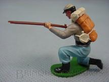 1. Brinquedos antigos - Britains - Soldado Confederado ajoelhado atirando com Fuzil Década de 1960