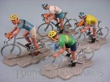1. Brinquedos antigos - Britains - Corrida de Bicicletas Tour de France Década de 1960