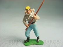 1. Brinquedos antigos - Britains - Soldado Confederado avançando com fuzil Década de 1960