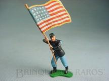 1. Brinquedos antigos - Britains - Soldado da União de pé com bandeira Década de 1960