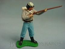 1. Brinquedos antigos - Britains - Soldado Confederado de pé atirando com fuzil Década de 1960