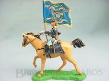1. Brinquedos antigos - Britains - Soldado da União a cavalo com Bandeira Década de 1960