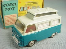 1. Brinquedos antigos - Corgi Toys - Ford Thames Airborne Caravan azul Década de 1960