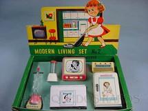 1. Brinquedos antigos - Modern Toys e Masudaya Toys - Conjunto de seis eletrodomésticos para boneca Modern Living Set Década de 1960