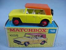 1. Brinquedos antigos - Matchbox - Field Car Black amarelo black plastic Regular Wheels