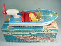 1. Brinquedos antigos - Modern Toys e Masudaya Toys - Lancha Blue Mach 600 com 26,00 cm de comprimento Deck de madeira completa com Boneco Década de 1960