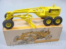 1. Brinquedos antigos - Juê - Motoniveladora Caterpillar CAT 12 com 10,00 cm de comprimento Década de 1970