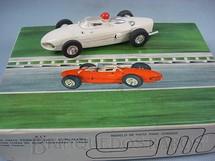 1. Brinquedos antigos - Estrela - Ferrari 156 Formula 1 Shark Nose branca Completa Datada 26-10-64