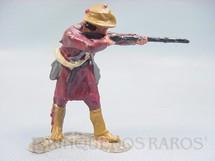 1. Brinquedos antigos - Casablanca e Gulliver - Caçador de pé atirando com rifle Série Planície Selvagem cópia Elastolin
