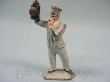1. Brinquedos antigos - Sem identificação - Guarda de Estação de Trem Elétrico Década de 1950