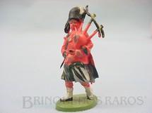 1. Brinquedos antigos - Britain - Soldado Escocês marchando com gaita de fole