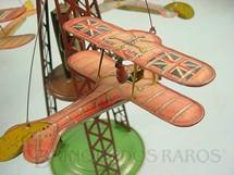 1. Brinquedos antigos - Toyodo - Avião biplano com 7,00 cm de comprimento Apresenta nas asas a bandeira da Inglaterra Final da década de 1920