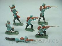 1. Brinquedos antigos - Sem identificação - Conjunto de seis Soldados em batalha Semi-Flat forma Schneider
