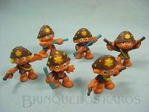 1. Brinquedos antigos - Casablanca e Gulliver - Conjunto com seis Cangaceiros Série Brasilianos Década de 1970