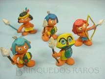 1. Brinquedos antigos - Casablanca e Gulliver - Conjunto com cinco índios Série Brasilianos Década de 1970