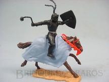 1. Brinquedos antigos - Timpo Toys - Guerreiro medieval a cavalo com Escudo e Bola de Aço Década de 1970