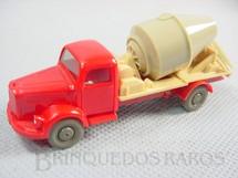 1. Brinquedos antigos - Wiking - Caminhão Betoneira Mercedes Benz Década de 1960