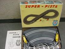 1. Brinquedos antigos - Estrela - Conjunto de Autorama Super-Pista completo com pista em oito sem carros e sem transformador Excelente estado Código 3250 Datado 20 Jul 1966