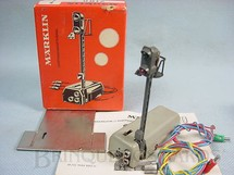 1. Brinquedos antigos - Marklin - Sinaleiro luminoso Automático interrope a linha e pára o trem quando a luz for vermelha