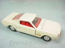 1. Brinquedos antigos - Dinky Toys - Ford Mustang GT Década de 1960