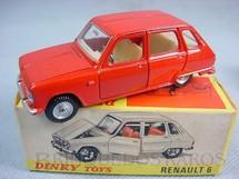 1. Brinquedos antigos - Dinky Toys - Renault 6 Década de 1960
