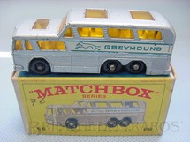 1. Brinquedos antigos - Matchbox - Greyhound Bus, black plastic Regular Wheels