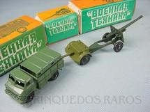 1. Brinquedos antigos - Sem identificação - Conjunto com Caminhão Carreta e Canhão Década de 1990
