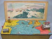 1. Brinquedos antigos - J.D. - Brinquedo simulando uma Travessia do Atlântico de Dirigivel Década de 1920