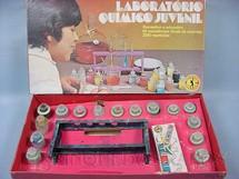 1. Brinquedos antigos - Guaporé - Laboratório Químico Juvenil completo com 15 Frascos de Plástico Década de 1970