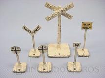 1. Brinquedos antigos - Sem identificação - Placas de Sinalização Ferroviária diversas Preço por unidade Década de 1950