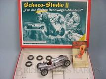 1. Brinquedos antigos - Schuco - Conjunto para montar Auto Union 16V Type C 1937 com ferramentas e pneus sobressalentes Schuco Studio II Réplica do Carro fabricado na década de 1940 Edição Limitada 1.000 unidades produzidas Ano 2004
