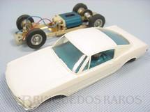 1. Brinquedos antigos - Estrela - Ford Mustang GT branco com interior azul Chassi de latão Década de 1970