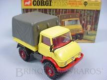 1. Brinquedos antigos - Corgi Toys - Mercedes Benz Unimog