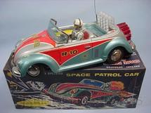 1. Brinquedos antigos - Nomura Toys - Volkswagen Sedan Espacial Space Patrol Car com 23,00 cm de comprimento Década de 1960