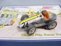 1. Brinquedos antigos - Schuco - Conjunto para montar Maserati 250 F Monza 1957 com Ferramentas e Pneus sobressalentes Grand Prix Racer 1070 Réplica do Carro fabricado na década de 1950 Edição Limitada 1.000 unidades produzidas Ano 2006