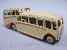 1. Brinquedos antigos - Dinky Toys - Observation Coach creme e vermelho Década de 1940