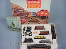 1. Brinquedos antigos - Atma - Conjunto de Locomotiva a vapor dois Carros de Passageiros dois Vagões de Carga trilhos e Transformador Década de 1960