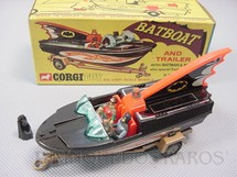 1. Brinquedos antigos - Corgi Toys - Lancha do Batman Batboat and Trailer completo com figuras e adaptador Ano 1966