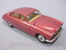 1. Brinquedos antigos - Corgi Toys - Jaguar Mark X Saloon, vermelho metálico. Ano 1965