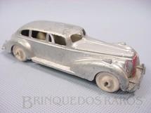1. Brinquedos antigos - Hubley - Carro Sedan com 14,00 cm de comprimento Década de 1940