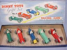 1. Brinquedos antigos - Dinky Toys - Conjunto Completo com cinco Carros Fórmula 1 Década de 1930