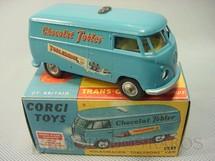 1. Brinquedos antigos - Corgi Toys - Volkswagen Kombi Toblerone Van Série Trans-O-Lite acende os faróis dianteiros Ano 1965