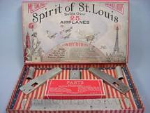 1. Brinquedos antigos - Metalcraft Co. - Conjunto para montar 25 tipos de aviões Spirit of Saint Louis Completo Ano 1927
