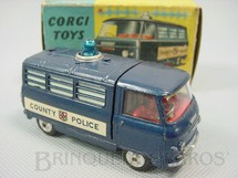 1. Brinquedos antigos - Corgi Toys - Commer Police Van With Flashing Light Década de 1960