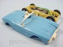 1. Brinquedos antigos - Estrela - Corvette azul com chassi de plástico branco de encaixe Ano 1965
